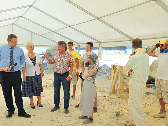 Руководитель Ставрополья Владимир Владимиров посетил стройплощадку скульптурного симпозиума