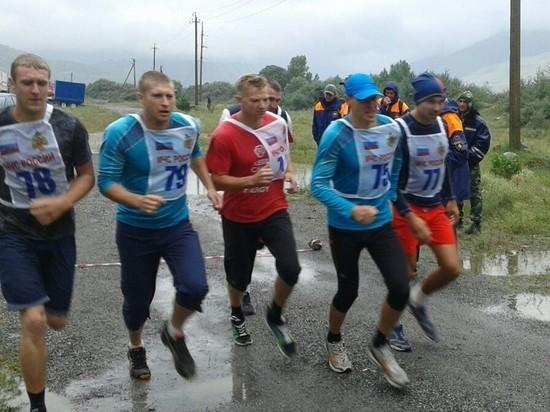 Спасатели МЧС с Юга и Кавказа соревнуются в многоборье в Ингушетии