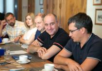 Представители Ассоциации СМИ СКФО встретились с главой КЧР