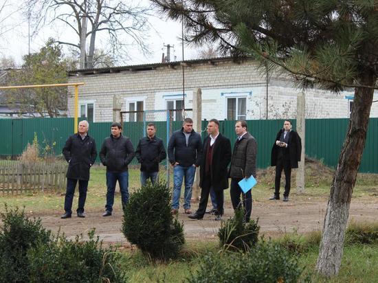 Максим Клетин ознакомился с сельской инфраструктуройи вручил долгожданный подарок семье Соколовых