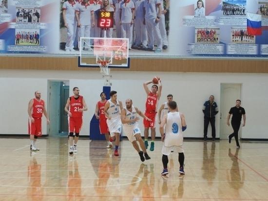В чемпионате Ставрополья по баскетболу воцарилось троевластие