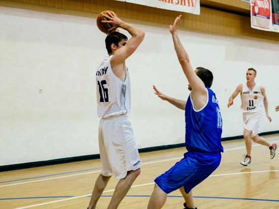 Ипатовские баскетболисты отпраздновали дебютный успех в чемпионате края