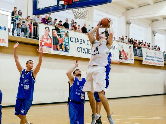 Ипатовские баскетболисты одержали третью викторию подряд