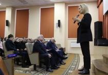 Строительство важных соцобъектов в Михайловске обсудила Ольга Тимофеева с общественностью