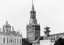 Спасскую башню Кремля на днях откроют, а в Боровицкой нашли новые символы государства